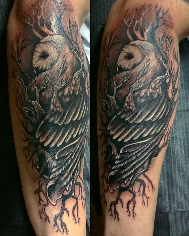rob figueroa black and gray rh hallowedpointtattoo com Owl Tattoo Meaning owl in tree tattoo meaning